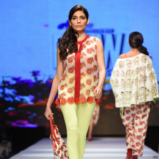 150401111730_karachi_fashion_week__549x549_bbc