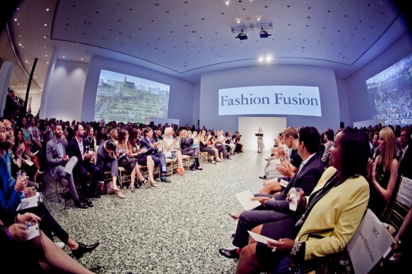 Houston-Fashion-Fusion-June-2015-runway_115411
