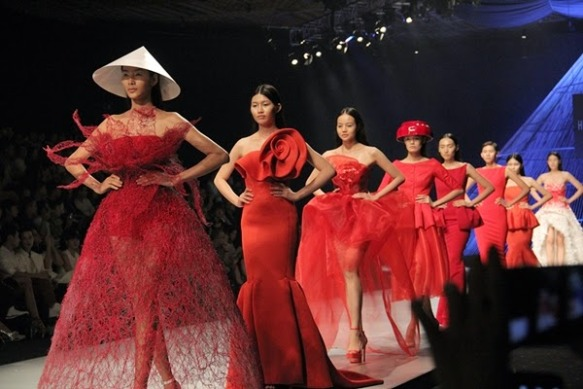 nhung-con-so-an-tuong-cua-vietnam-international-fashion-week (5)-1