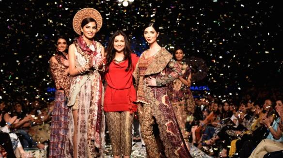 Pakistani_designer_Shamaeel_Ansari_at_her_finale_at_this_month_s_Telenor_Fashion__Pakistan_Week_in_Karachi
